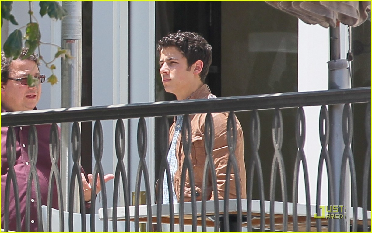 nick jonas grove guy 18