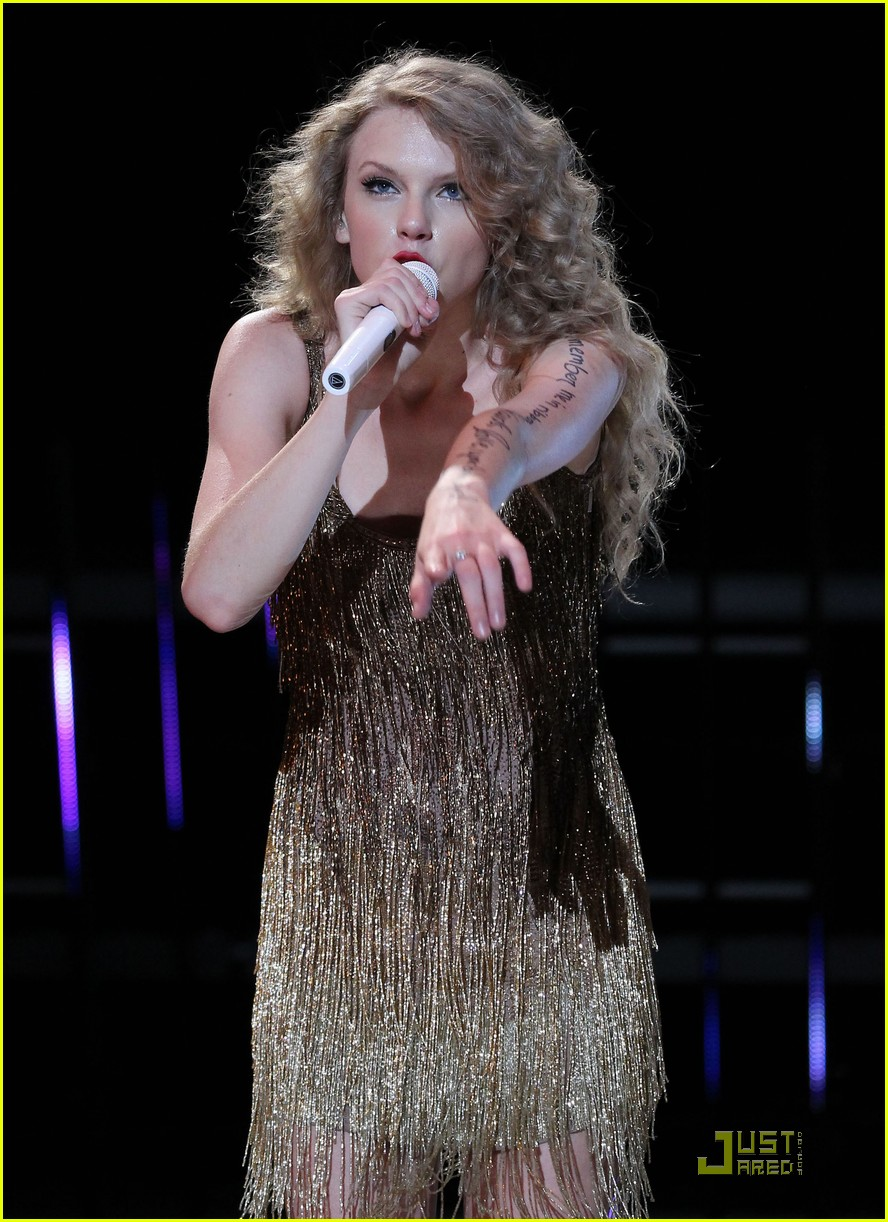 taylor swift cmt music fest 19