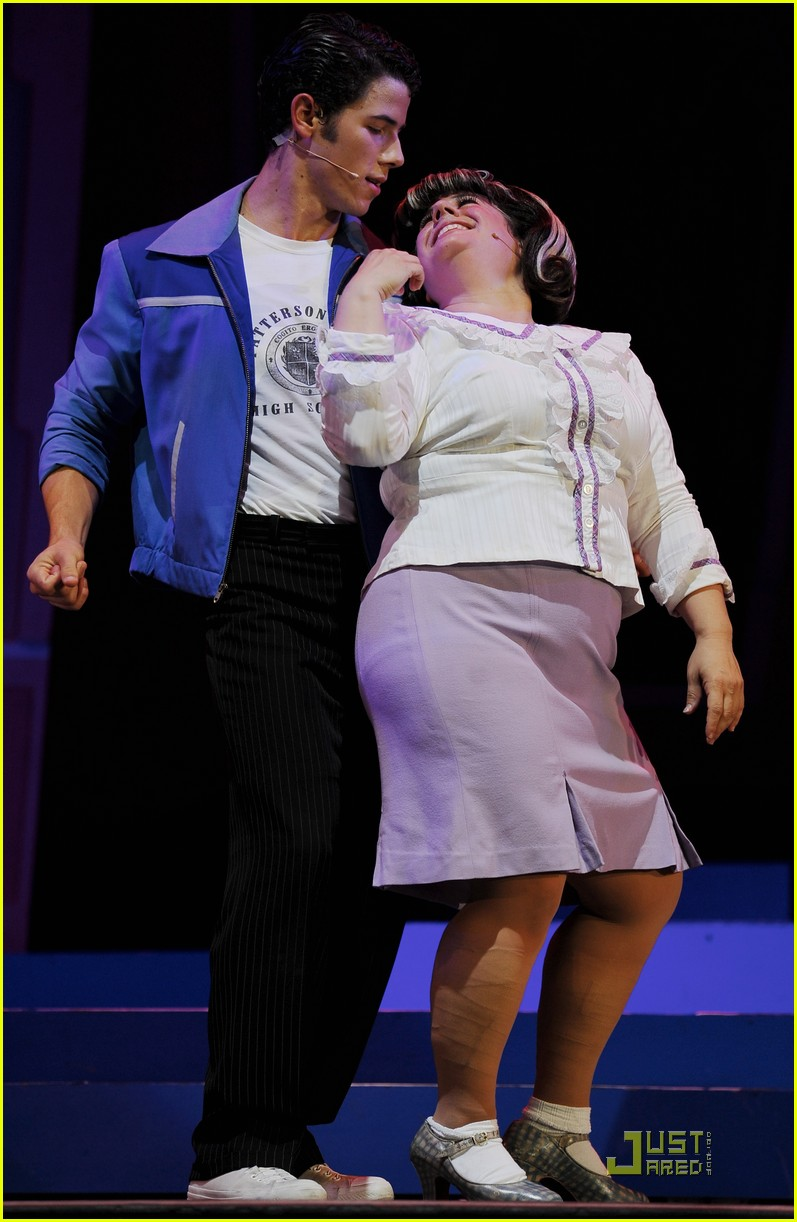 nick jonas hairspray friday 06