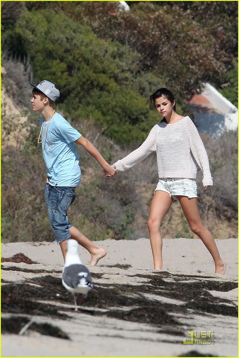 Selena Gomez Amp Justin Bieber Paradise Cove Lovebirds Photo 438207 Photo Gallery Just