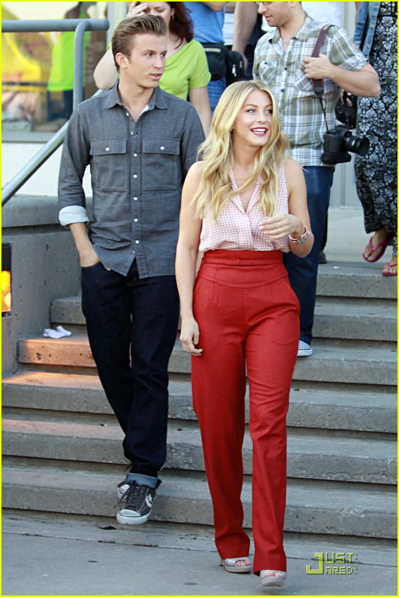 Julianne hough hacked photos