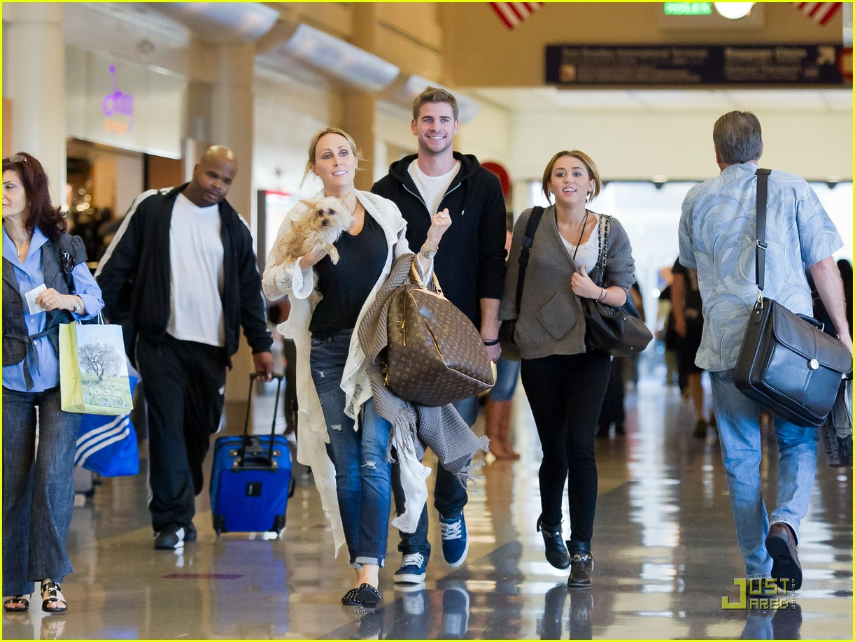 miley cyrus family