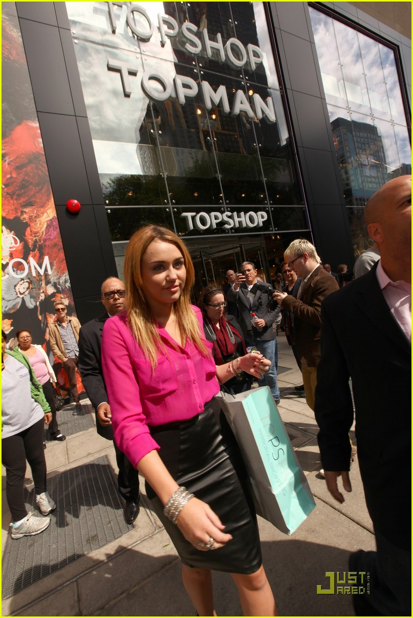 miley cyrus topshop chicago 08