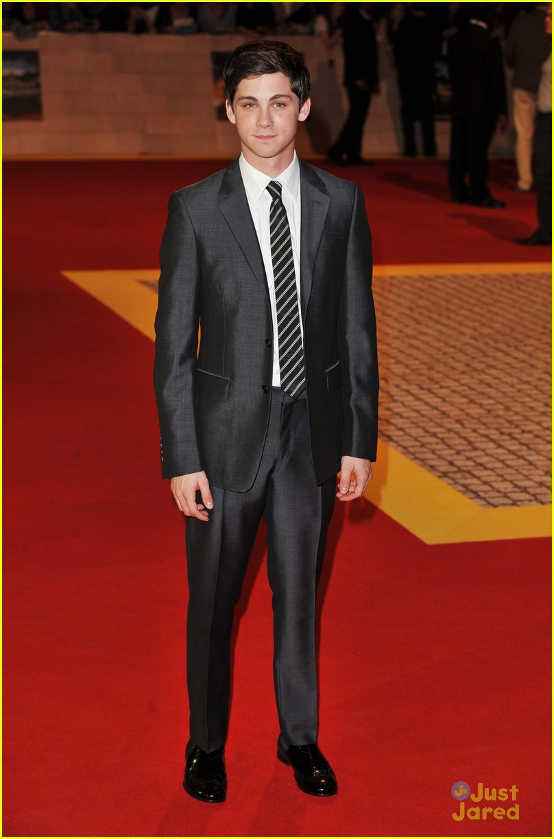 logan lerman three premiere 09
