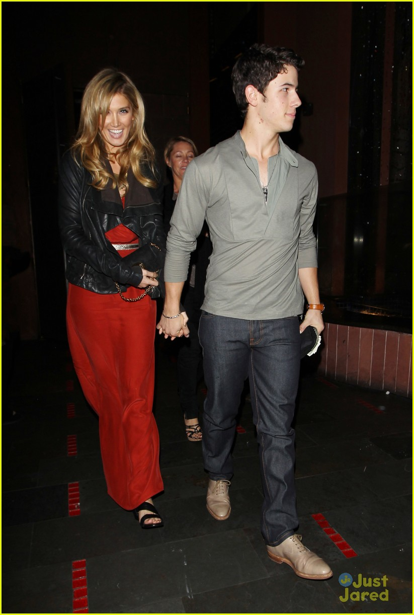 nick jonas delta goodrem dinner date 11