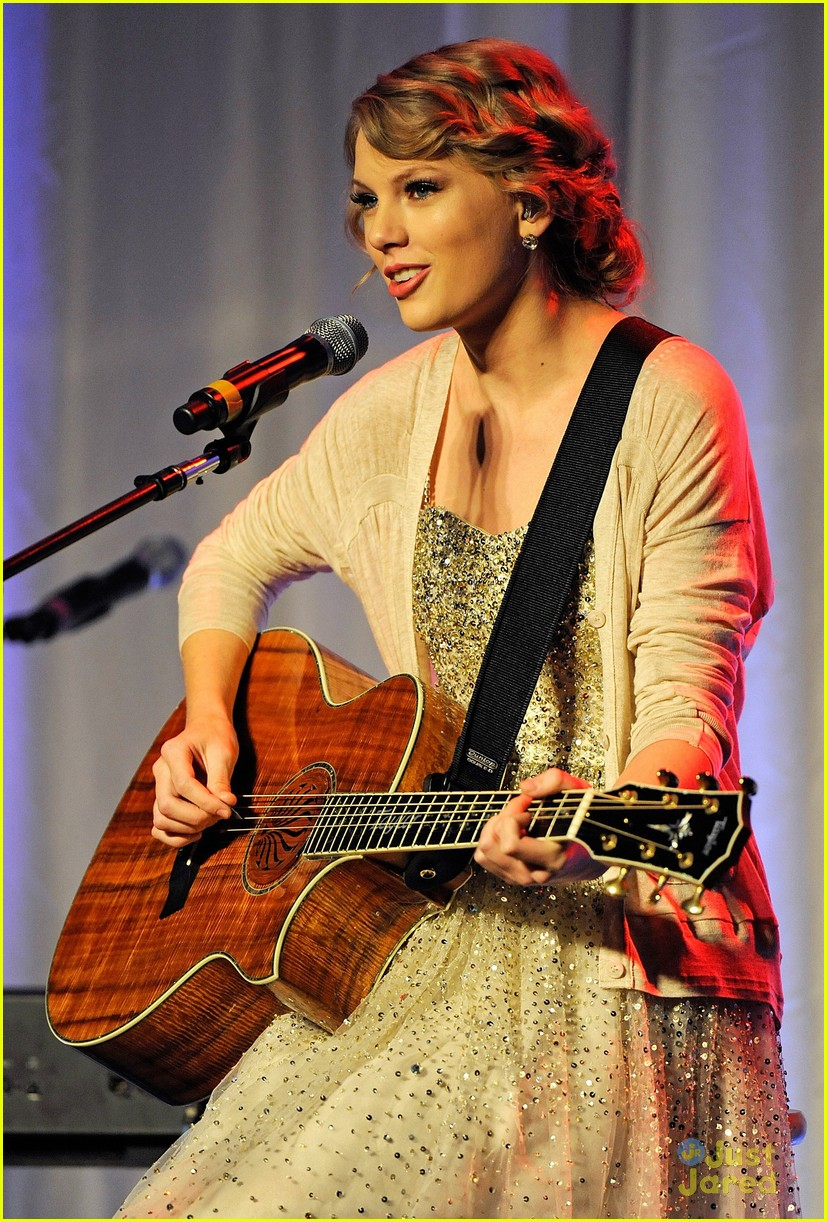 taylor swift songwriter hall fame 02