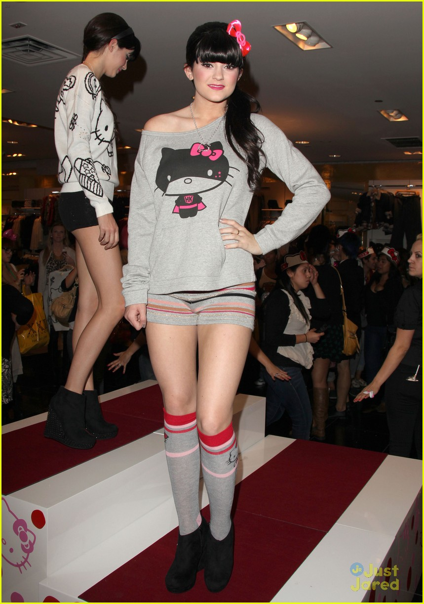 44210ff3c02 Kendall & Kylie Jenner: Hello Kitty Line Launch!   Photo 448663 ...