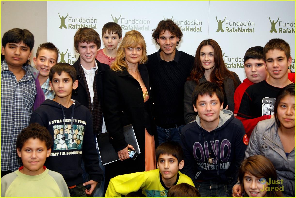 Freddie Highmore: Juntos Por La Integracion Gala | Photo ...