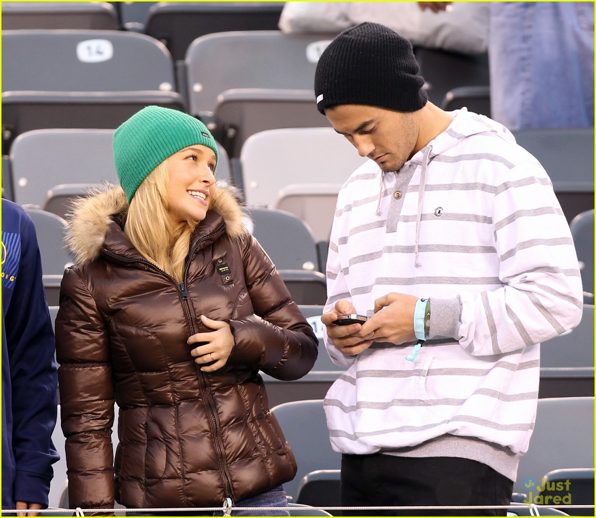 hayden panettiere football game 02