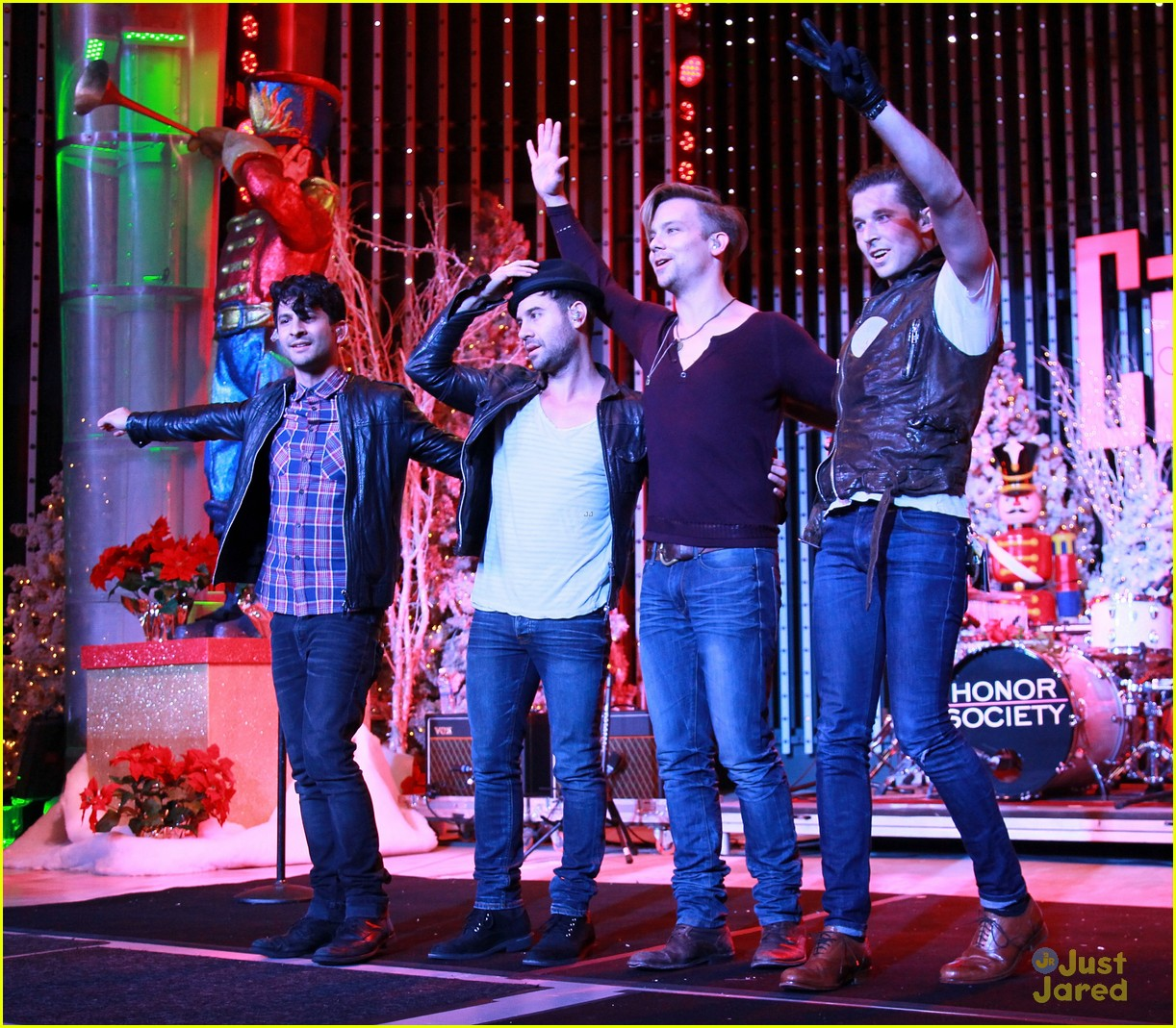 honor society red kettle 02
