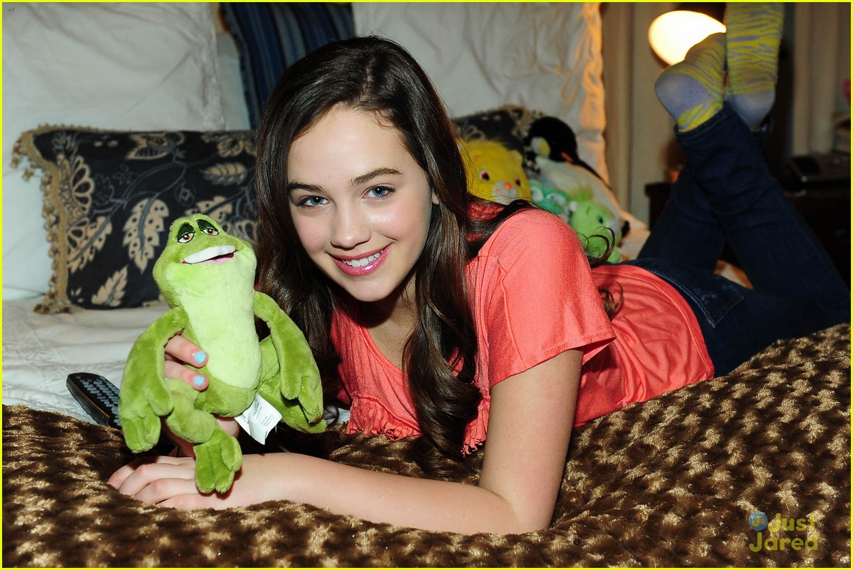 Watch Mary Mouser video