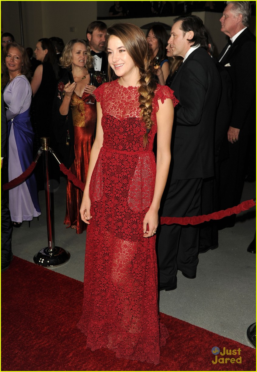 shailene woodley dga awards 08