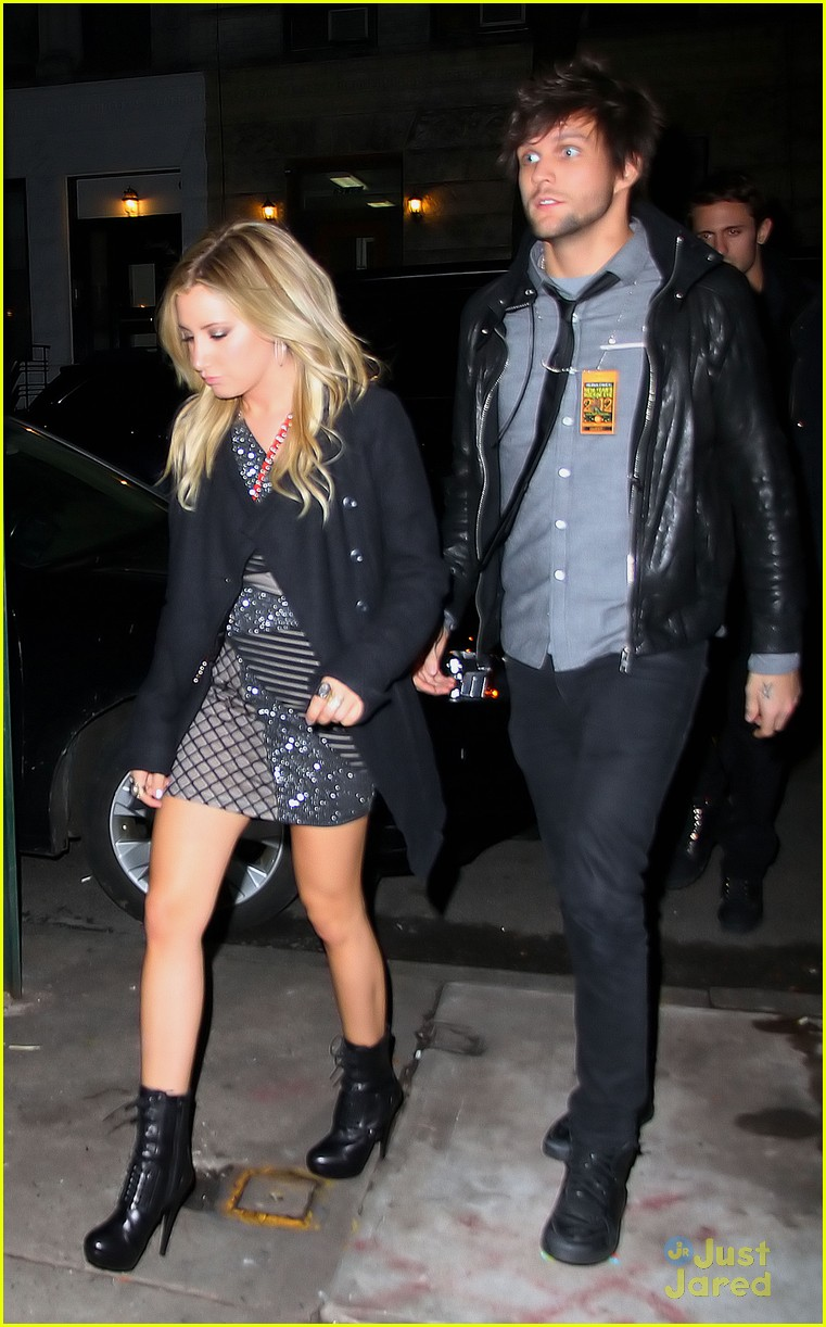 ashley tisdale new year eve 05