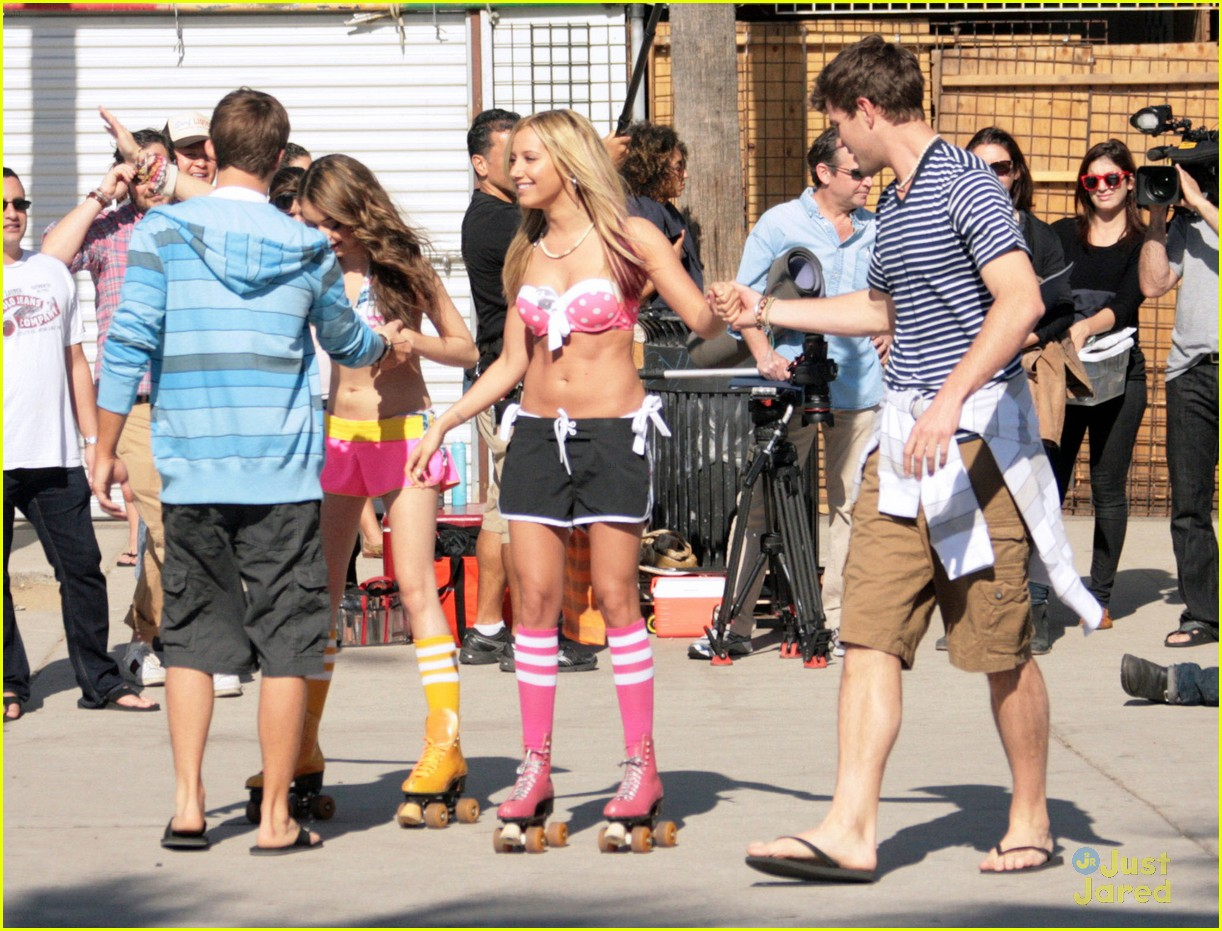 ashley tisdale sarah hyland op shoot 14