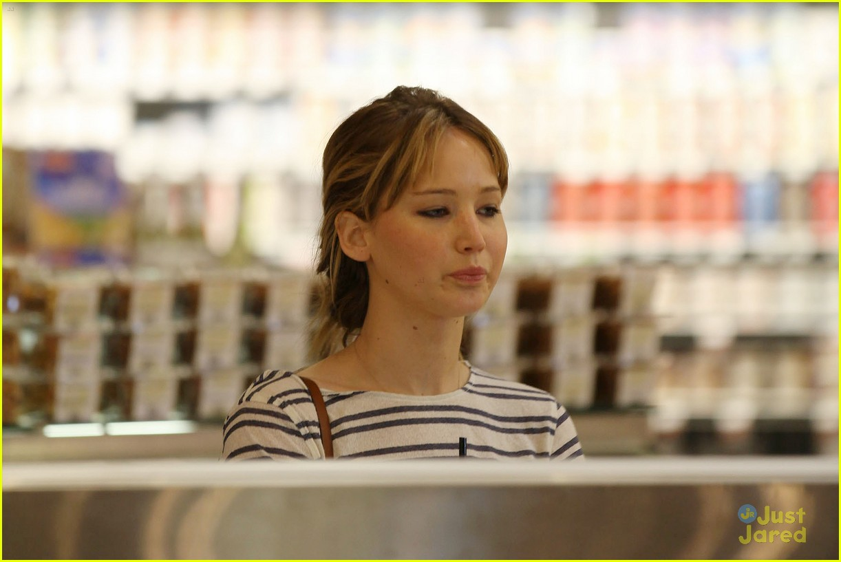 jennifer lawrence whole foods 12