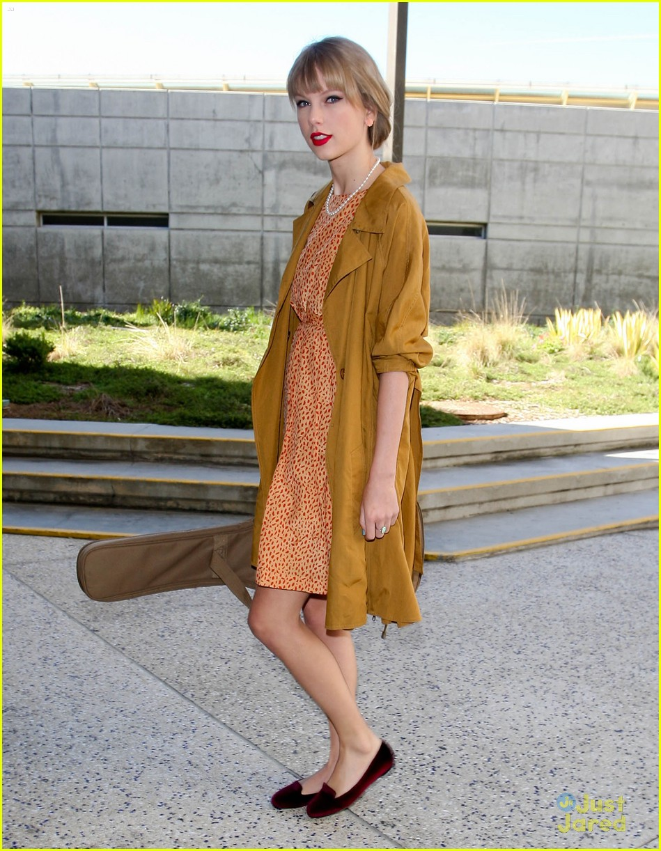 taylor swift sonic stop 01