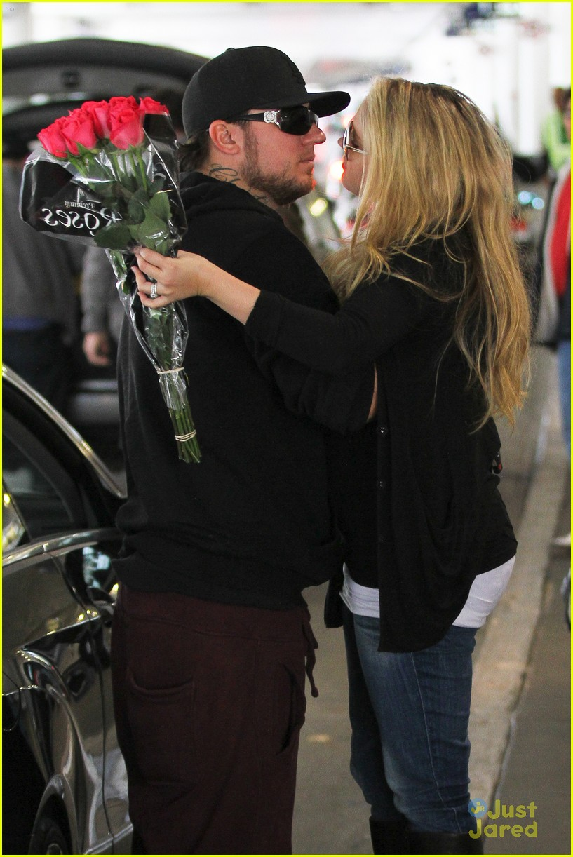 tiffany thornton baby kiss chris 02