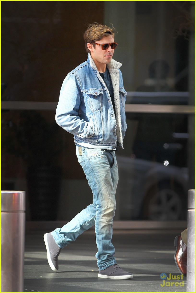 Liam Hemsworth And Jennifer Lawrence Zac Efron: 'Taylor Sch...