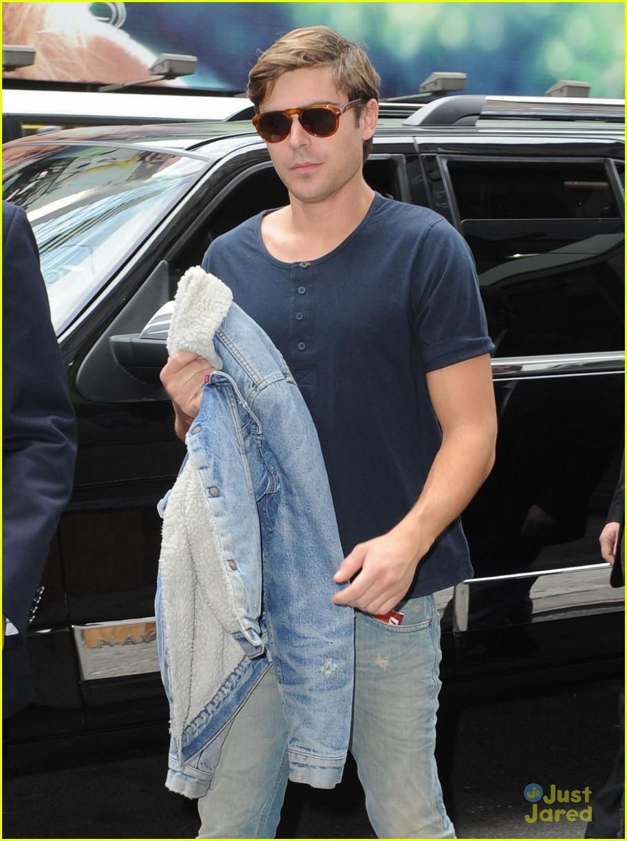 zac efron nyc jeans 06