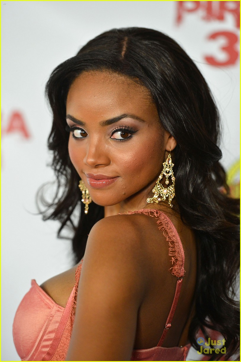 Meagan Tandy Nude Photos 79