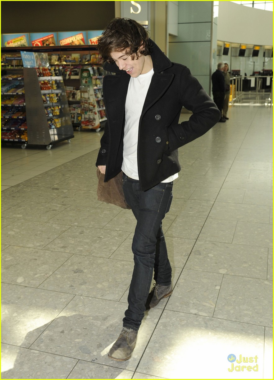 harry styles la landing 08