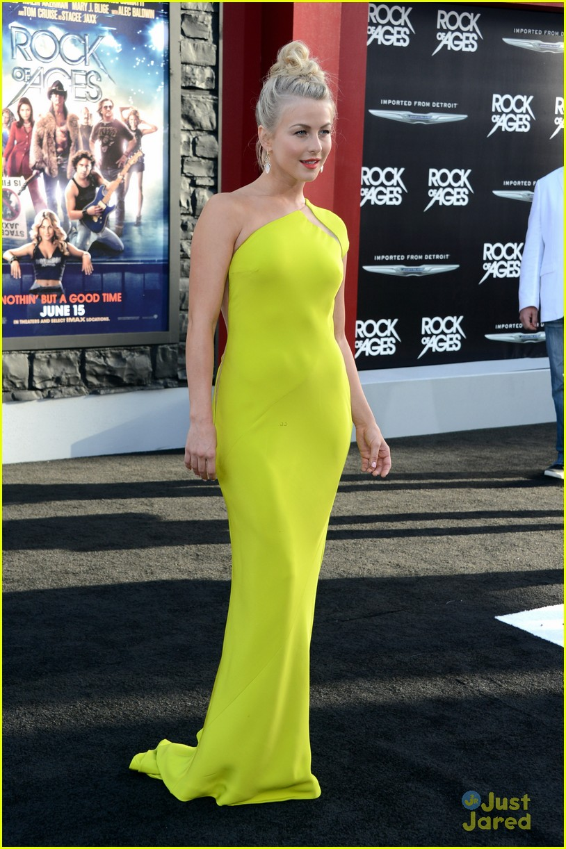 julianne hough roa la 17