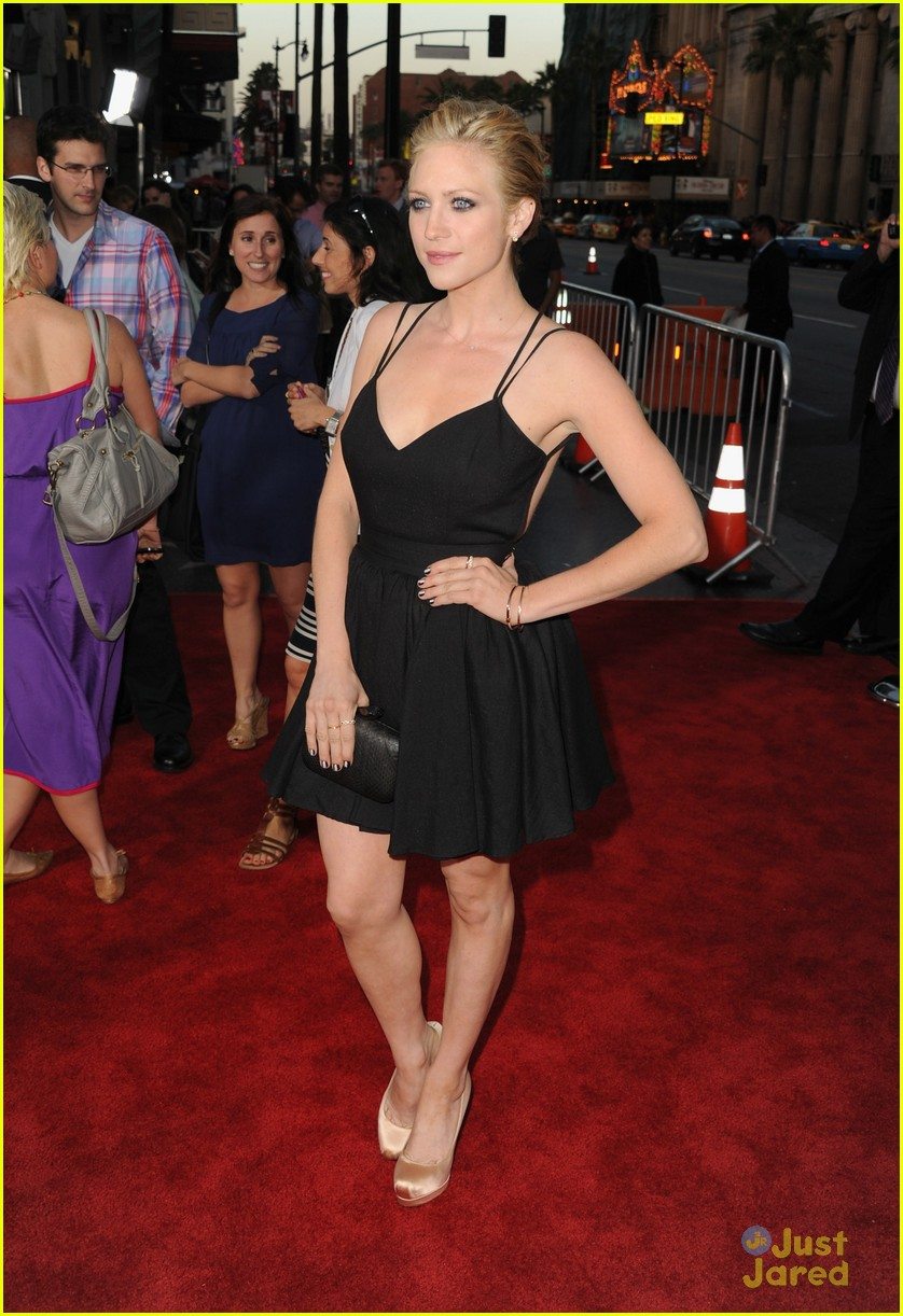 brittany snow ted premiere 02