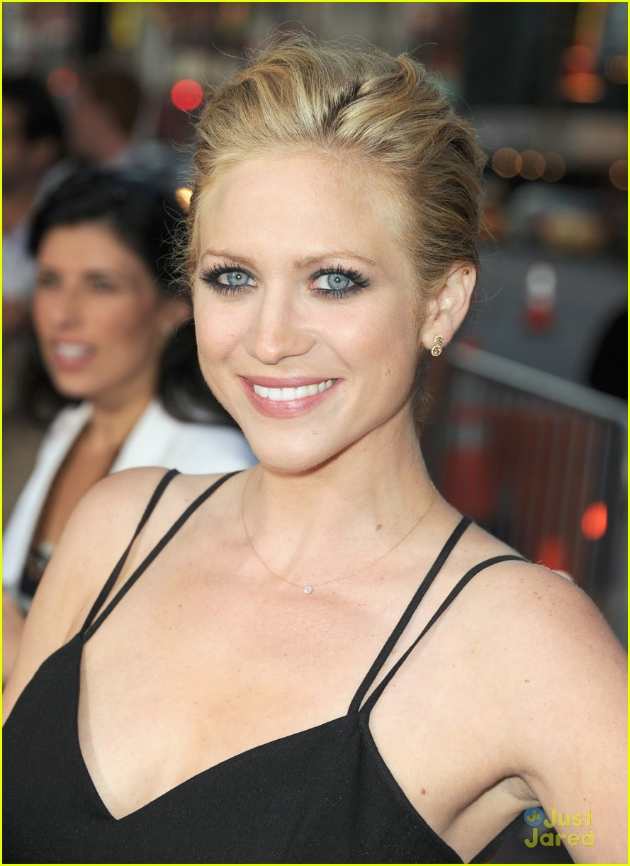 brittany snow ted premiere 03