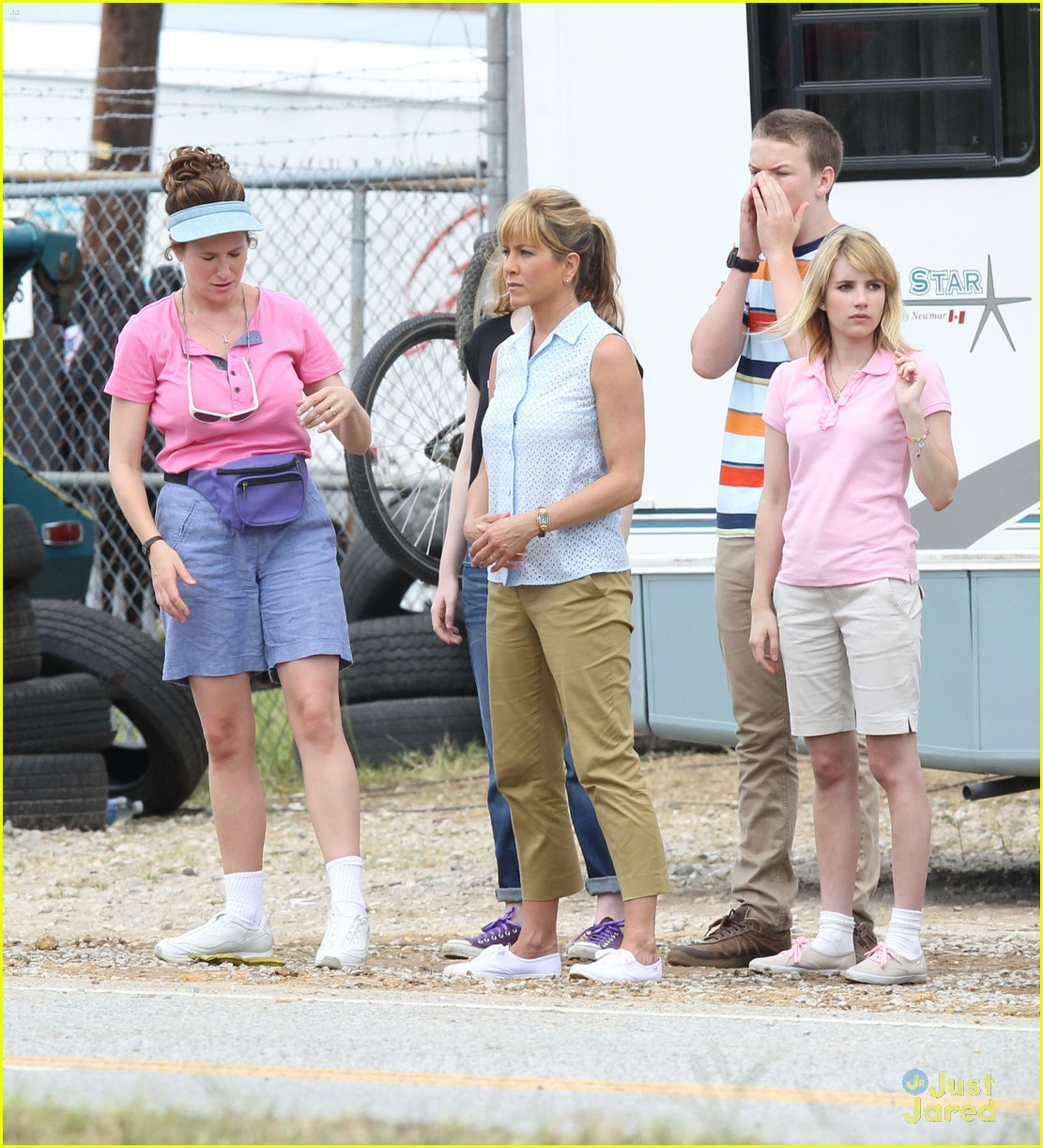 Emma Roberts We Re The Millers In Wilmington Photo 484438 Emma Roberts Will Poulter Pictures Just Jared Jr