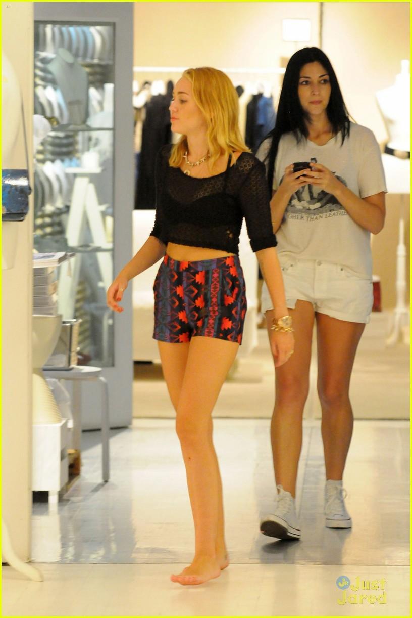 Miley Cyrus Nyc Shopper
