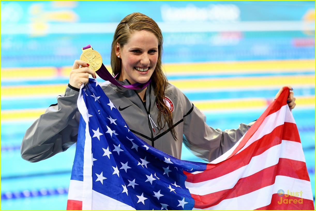missy franklin wins gold 04