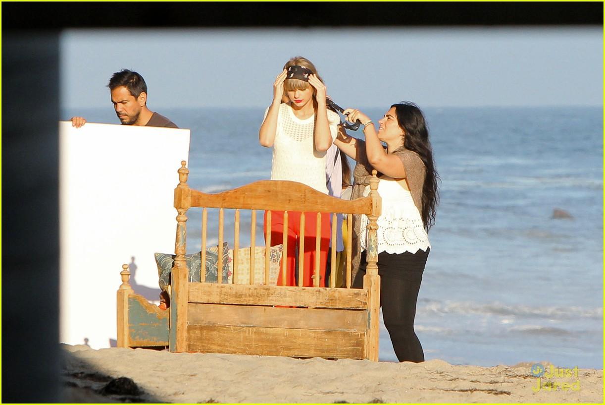 taylor swift beach shoot 04