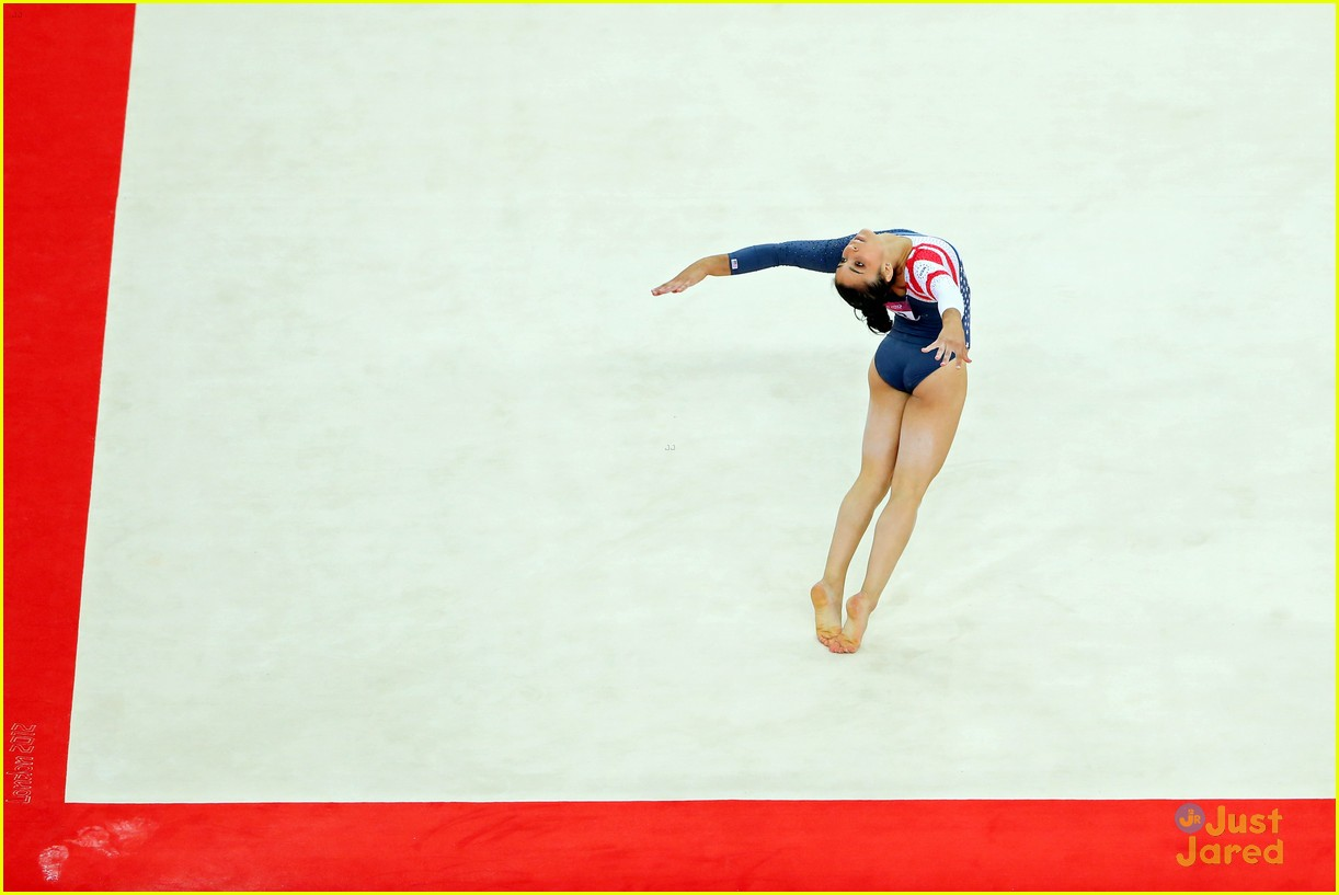 aly raisman gold floor olympics 12