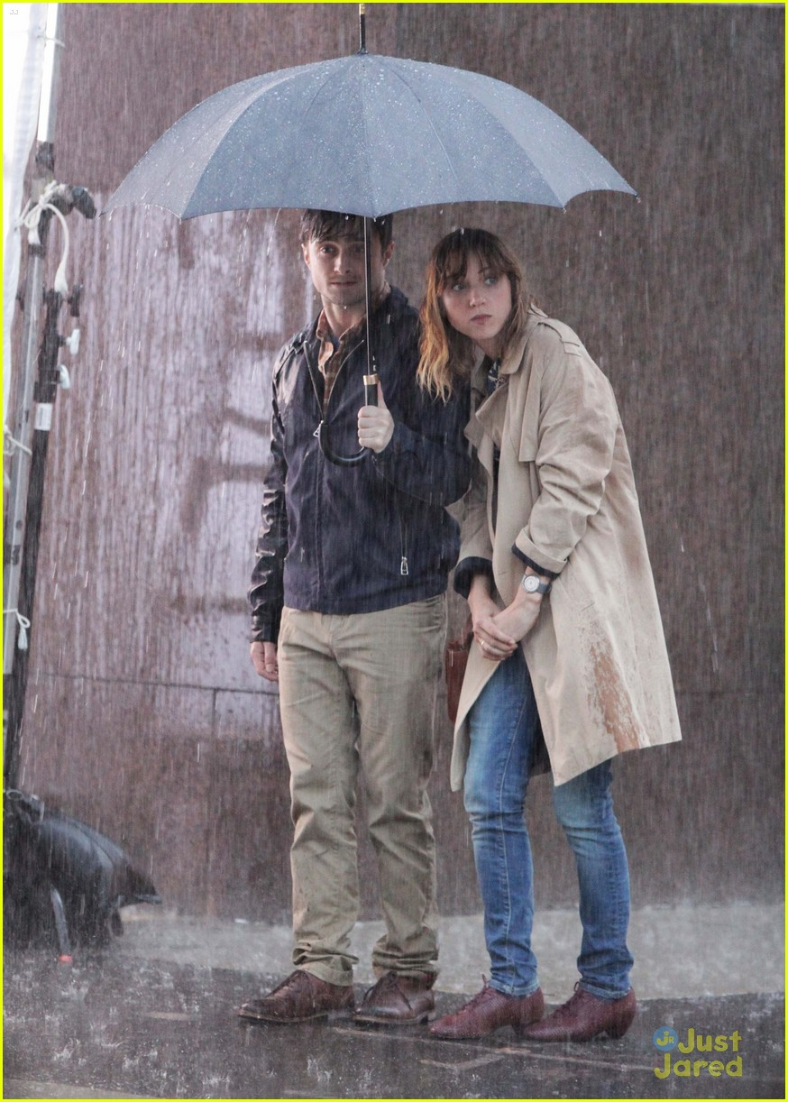 daniel radcliffe rain zoe 04