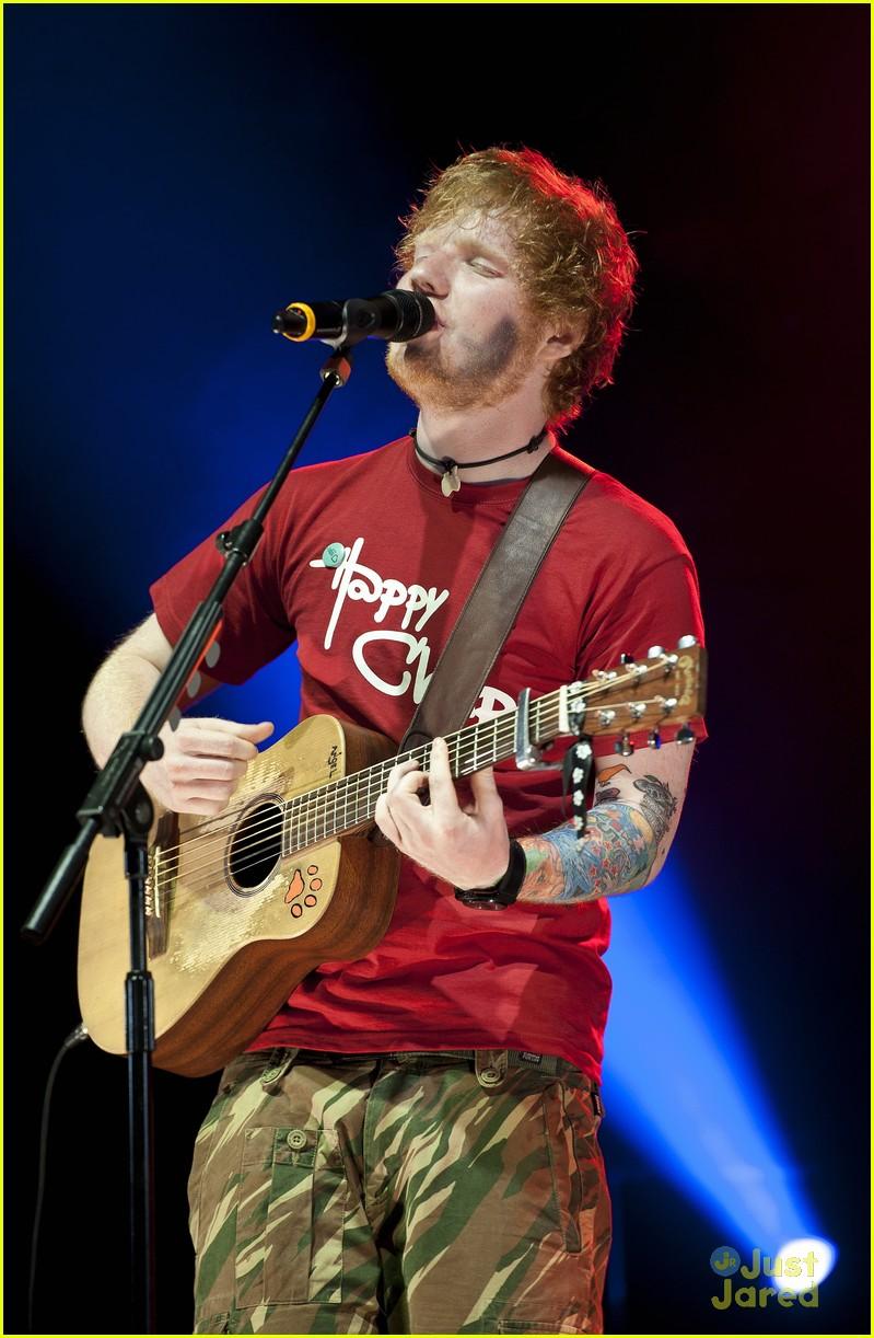 ed sheeran v festival 10
