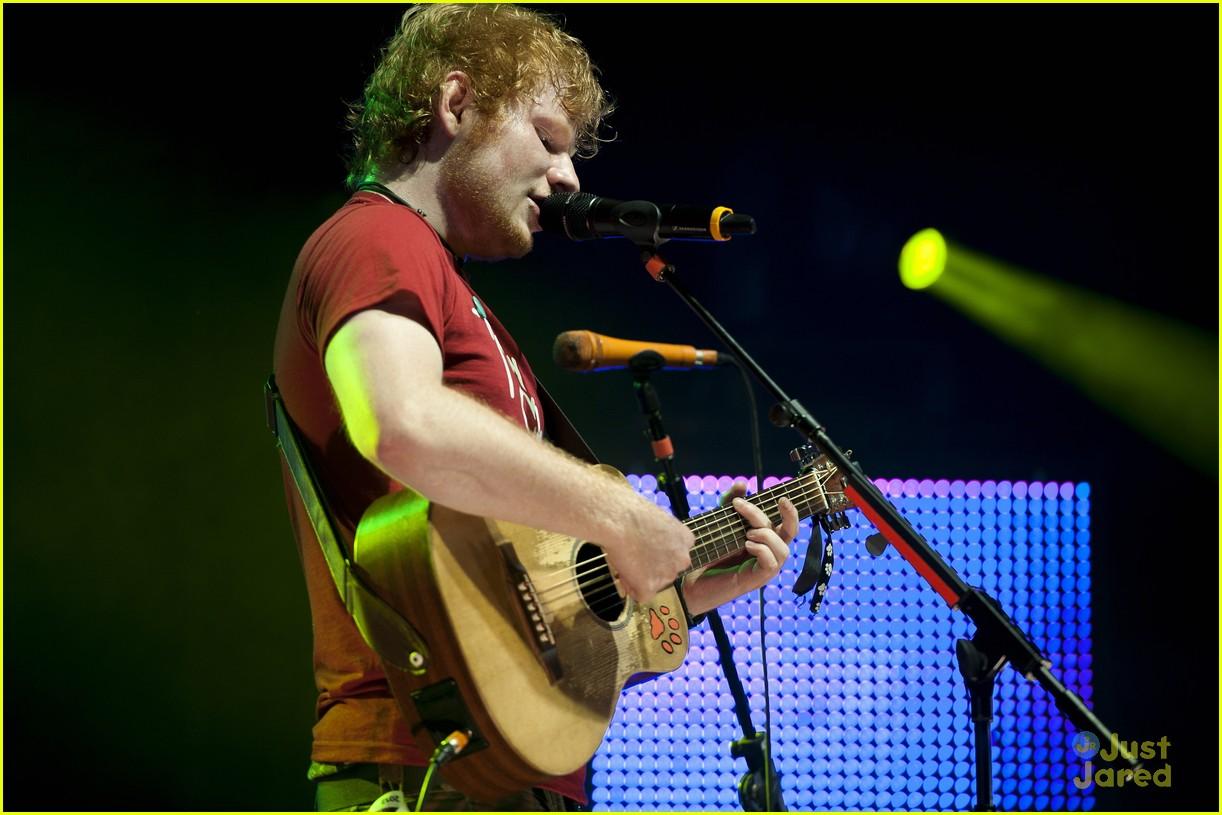ed sheeran v festival 15