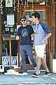 zac efron lunch with dylan 01