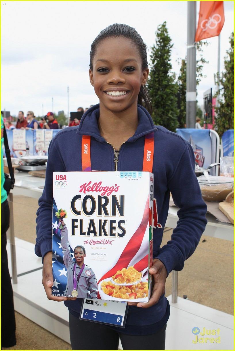 gabriele douglas corn flakes 06