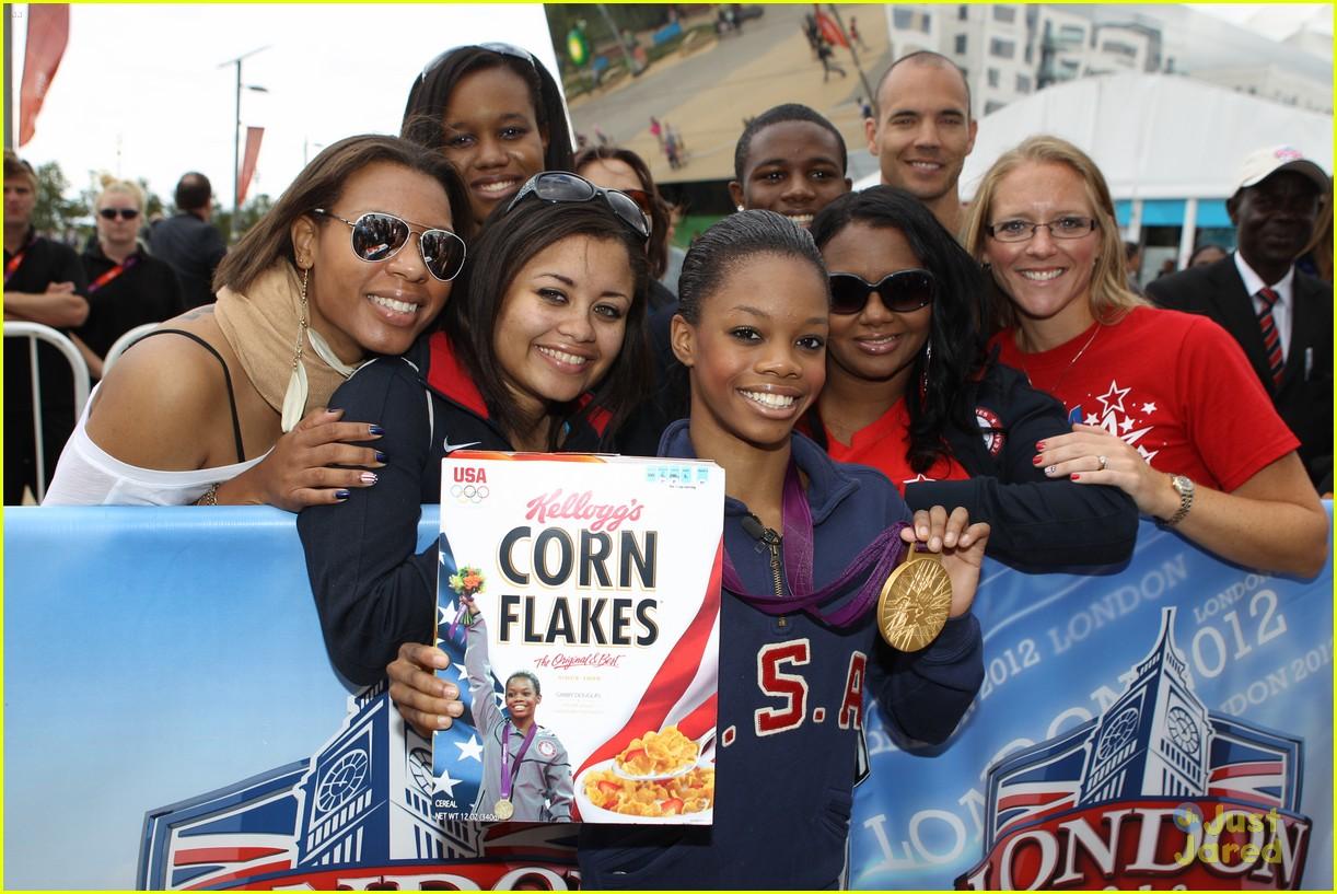gabriele douglas corn flakes 07