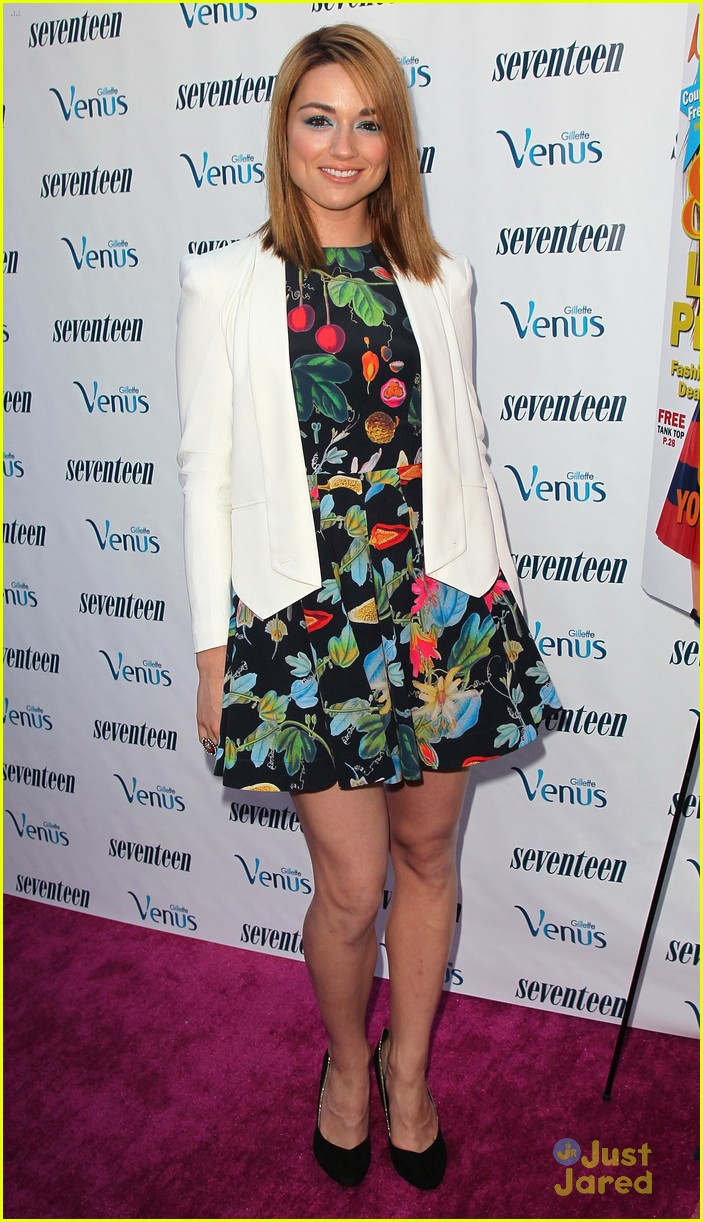 kaitlyn jenkins crystal reed 17 party 02