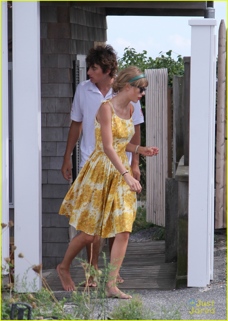Taylor Swift We Are Never Ever Getting Back Together Hits 1 On Billboard Hot 100 Photo 489773 Conor Kennedy Taylor Swift Pictures Just Jared Jr