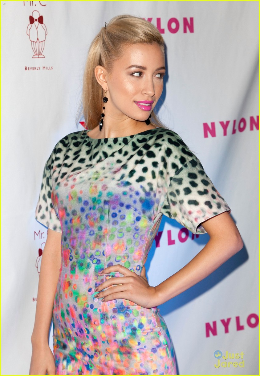christian serratos poy nylon 12