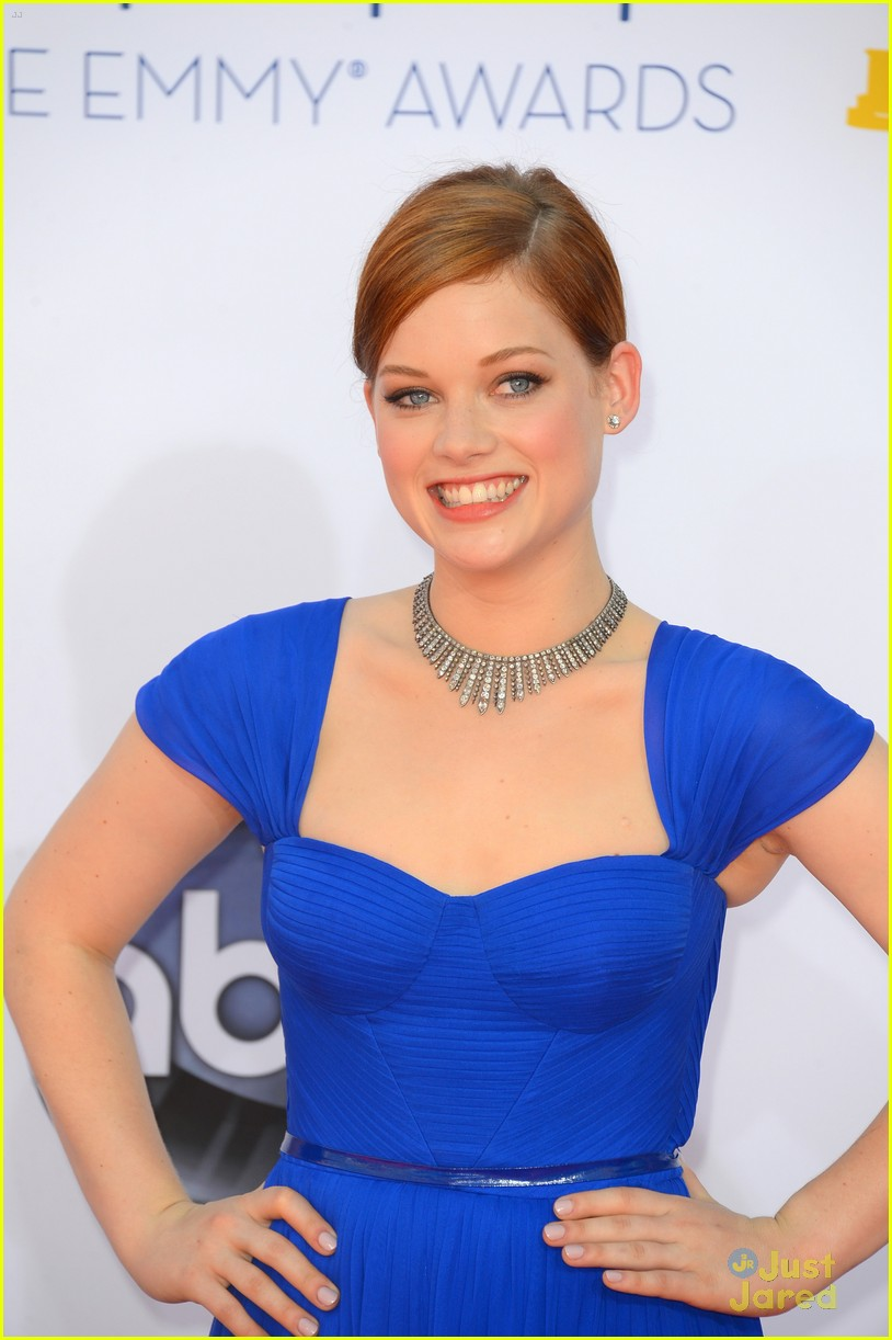 jane levy emmy awards 03