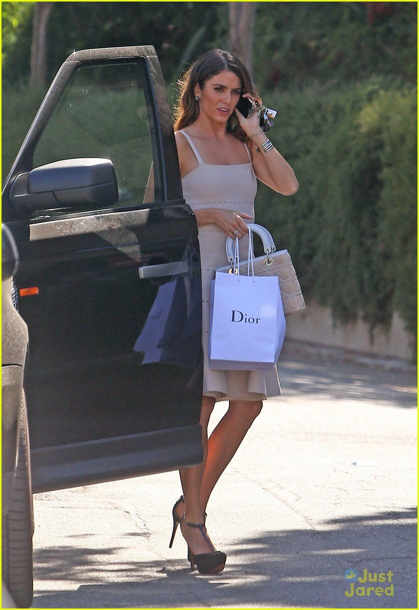 nikki reed dior shopper 04