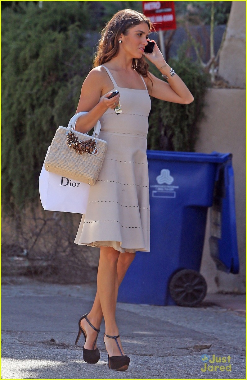 nikki reed dior shopper 06