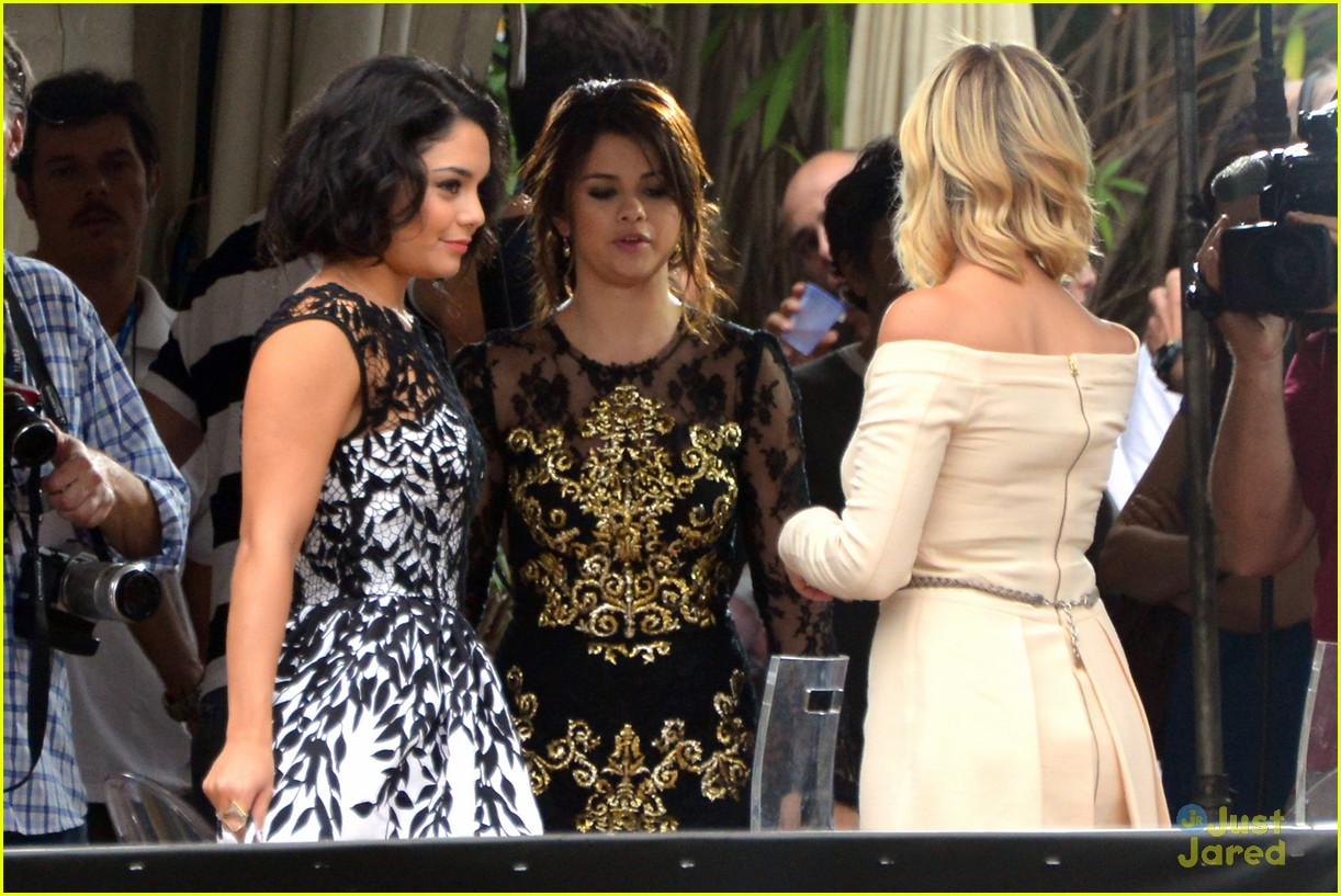selena gomez ashley benson breakers premiere 20