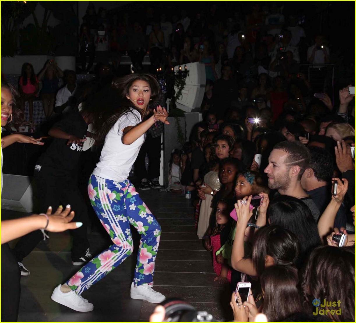zendaya 16 party pics 07