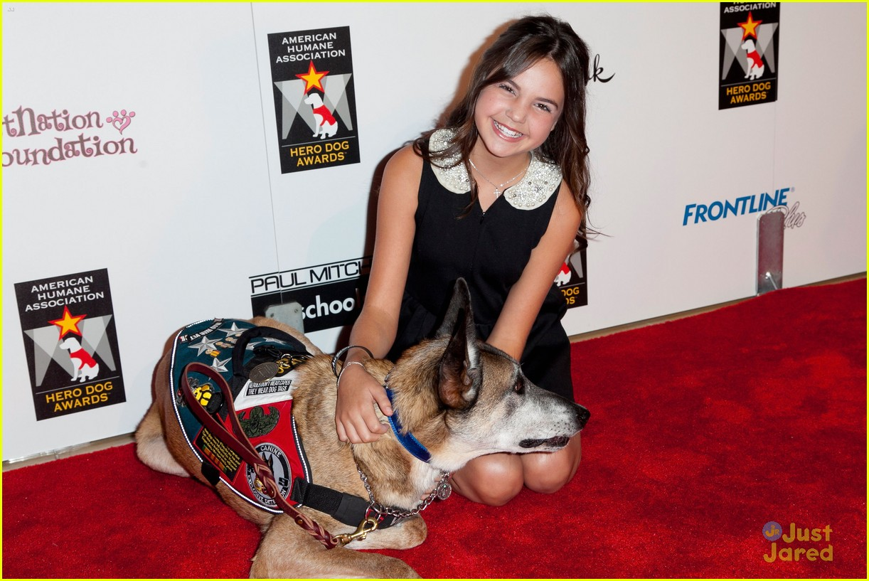 bailee madison jake t austin hero dog awards 05