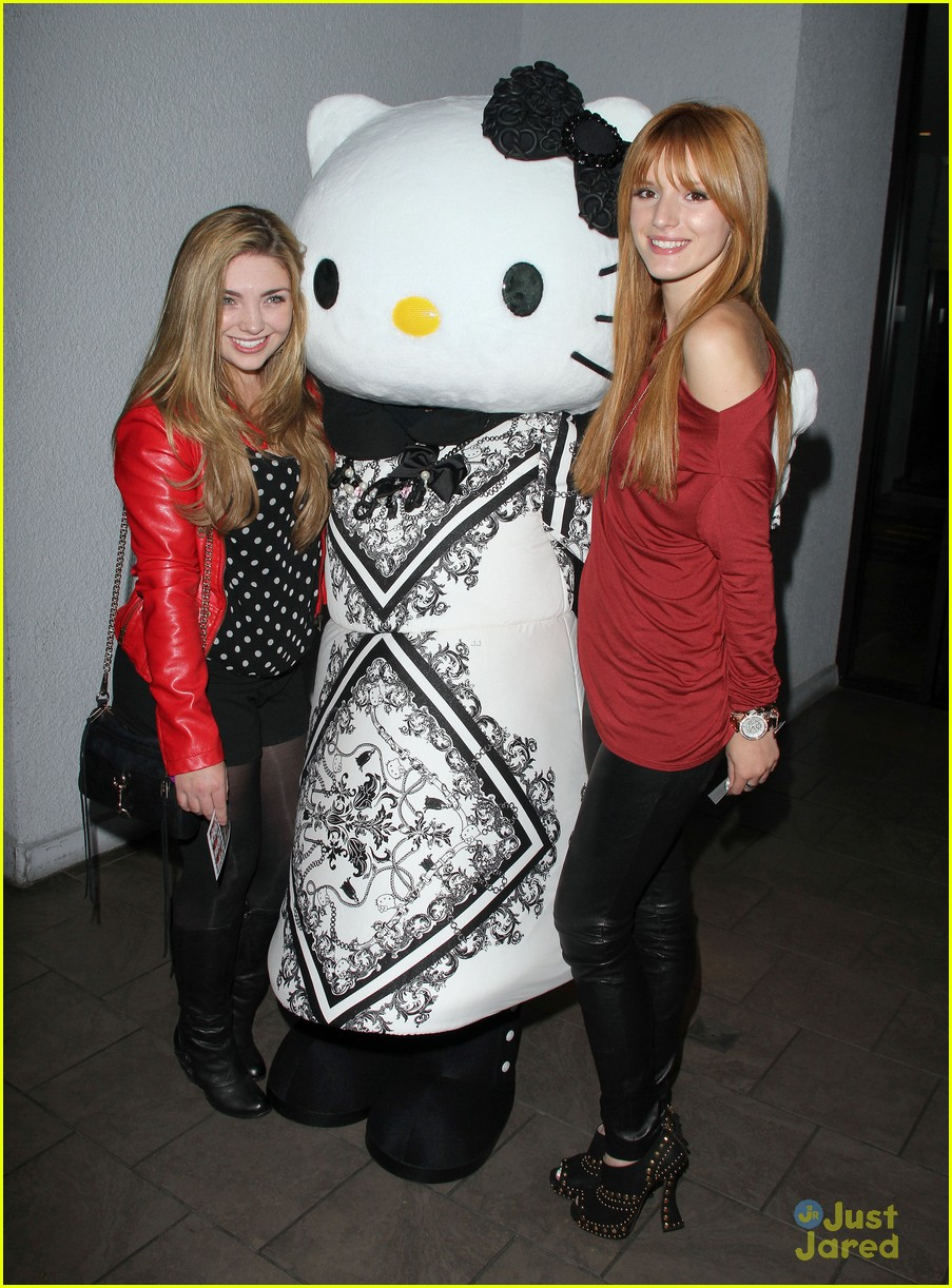 bella thorne hello kitty pumpkin patch 04