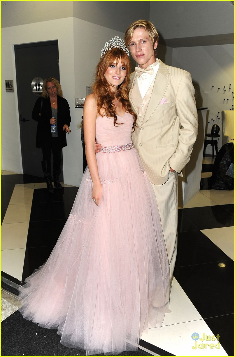 bella thorne quincenera halloween carnival 01